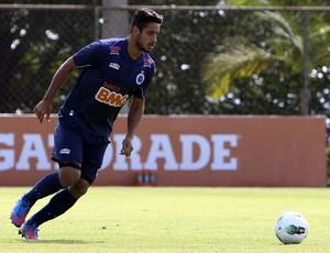 Zagueiro Léo, do Cruzeiro (Foto: Denilton Dias/ Vipcomm)