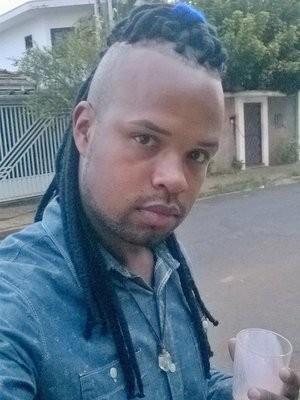 Jovem foi vítima de injúria racial após adotar cabelo moicano (Foto: Jefferson Lemos/Arquivo pessoal )