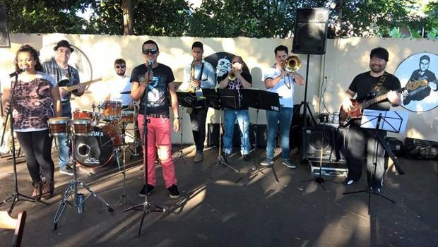 O Grupo Vibe Soul é quem sobe ao palco do auditório Luzamor (Foto: Divulgação)