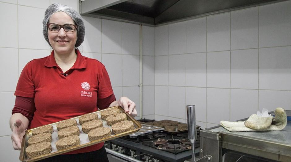Adriana Fernandes criou um negócio de sucesso para atender às necessidades do filho. (Foto: Divulgação)