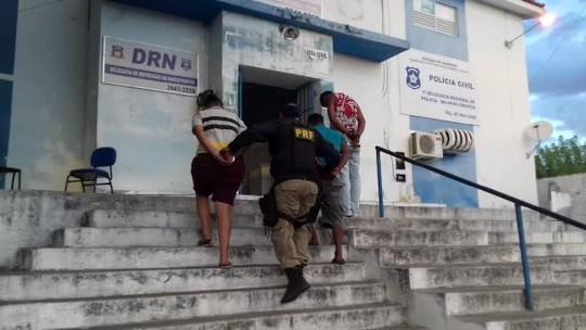 PRF prende quadrilha suspeita de roubos no sertão de Alagoas