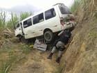Mulher morre e passageiros de van ficam feridos em tentativa de assalto