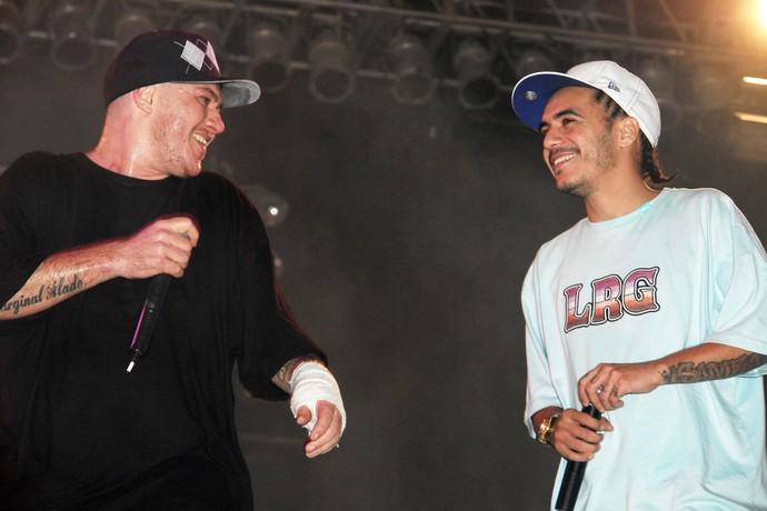 Chorão canta com Marcelo D2 em noite de João Rock, em 2007 (Foto: Arquivo Bananas Eventos)