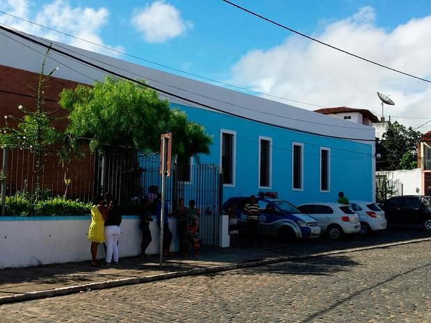 Equipes de investigação apuram se câmeras da região registraram ação (Foto: Site Giro em Ipiaú)