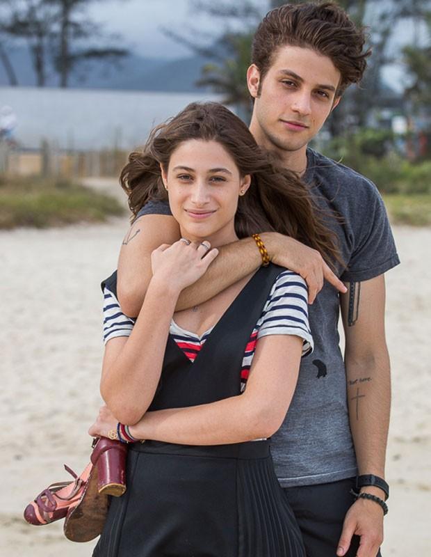 Chay e Luisa viverão um romance conturbado em Babilônia (Foto: Artur Meninea/Gshow)