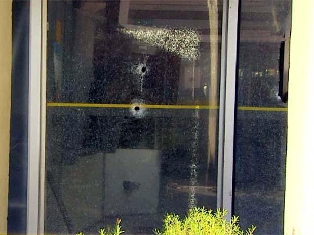 Suspeitos efetuaram disparos no momento da ação (Foto: Paulo Souza/EPTV)
