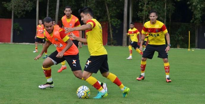 José Welison treino do Vitória (Foto: Francisco Galvão / Divulgação / E.C. Vitória)