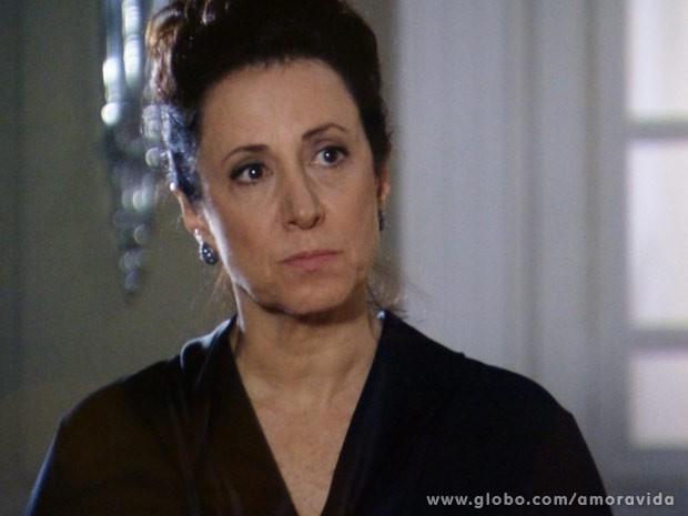 Lidia fica na mansão para vingar Nicole (Foto: Amor à Vida / TV Globo)