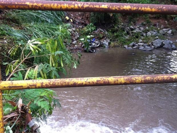Ocupantes de motocicleta desaparecem após temporal em Goiânia, Goiás (Foto: Rubens Salomão/Arquivo pessoal)