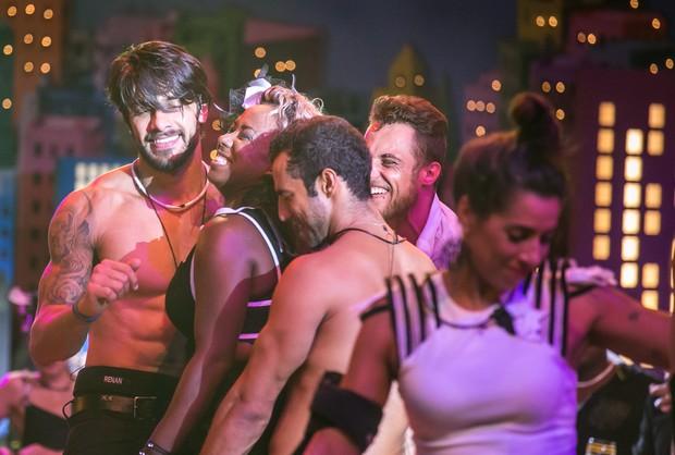 Participantes do BBB 16 se divertem em festa (Foto: Globo/Paulo Belote)