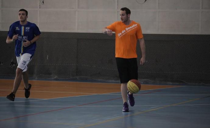 Marcelinho Huertas no Sesc São José Basquete (Foto: Marina Pires/ Sesc)