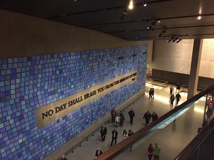 Mural azul - National September 11 Memorial Museum