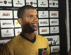 Müller Fernandes, atacante do Botafogo-PB (Foto: Lucas Barros / GloboEsporte.com/pb)