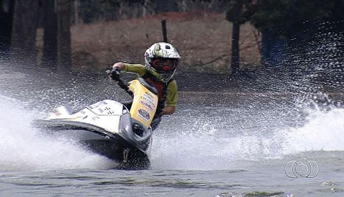 Davi Prado - piloto moto aquática (Foto: Reprodução / TV Anhanguera)