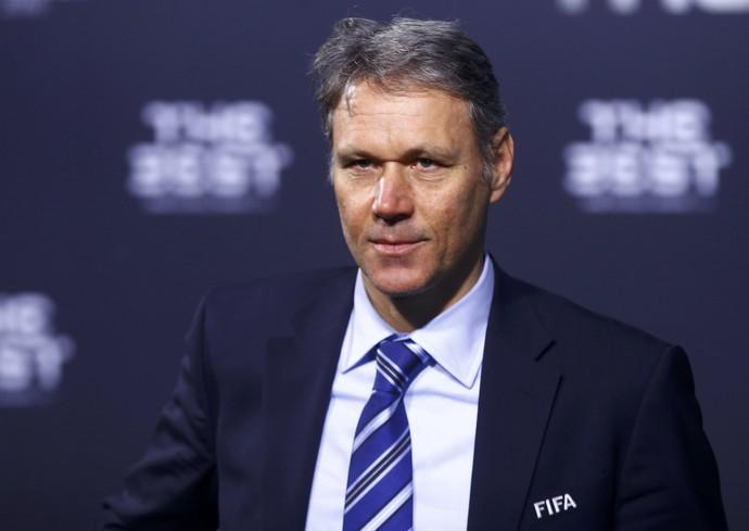 Van Basten; Fifa (Foto: Reuters)