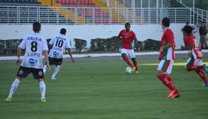 Boa Esporte e ABC se enfrentaram no Estádio Melão, em Varginha (Foto: Tiago Campos)
