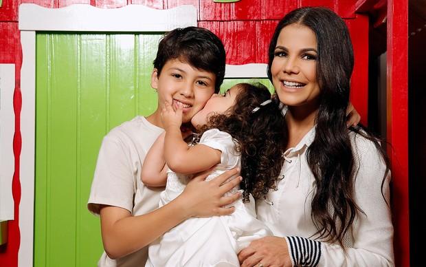 Nivea Stelmann e filhos, Bruna e Miguel (Foto: Marcos Serra Lima/EGO)