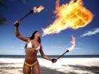 Latinete Joyce Pinheiro treina performance com fogo para o EGO