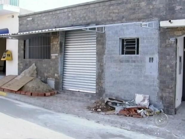 Posto bancário em Torre de pedra foi atacado em dezembro (Foto: Reprodução/ TV TEM)