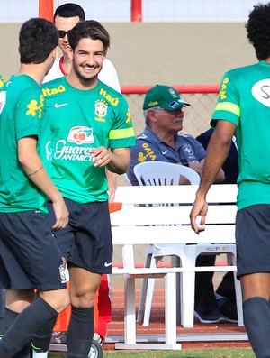 Alexandre Pato treino Seleção Brasília (Foto: Bruno Spada / Mowa Press)