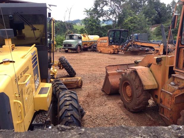 Esquema criminoso envolve venda de peças de maquinários, como patrolas (Foto: Eduardo Cristófoli/RBS TV)