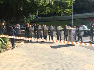 protesto em Porto Alegre (Foto: Fábio Almeida/RBS TV)