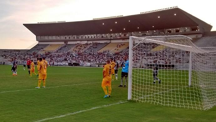 Botafogo-PB x Paraíba de Cajazeiras (Foto: Amauri Aquino/GloboEsporte.com/pb)