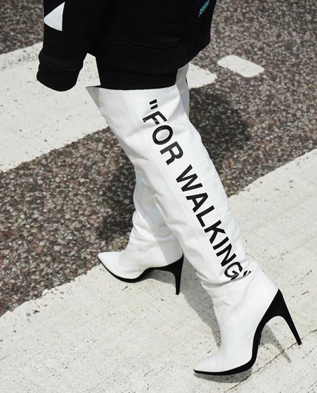 As botas de Bella Hadid (Foto: Reprodução / Instagram)