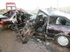 Colisão entre carros deixa 3 adultos e 1 criança mortos no Oeste de SC