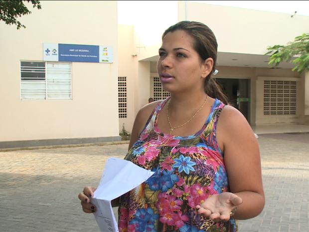 Adriana conta que foi agredida por Técnica de Enfermagem da AME do José e Maria (Foto: Reprodução/ TV Grande Rio)