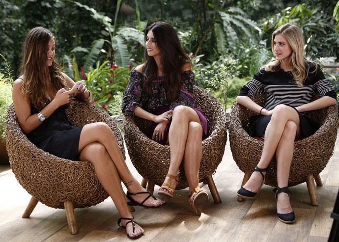Pâmela Tomé, Anaju Dorigon e Hanna Romanazzi respondem perguntas no PapoReto (Foto: Inacio Moraes / Gshow)