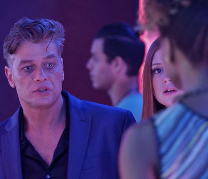 O casal não concorda com nada divulgado no NeoTop (Foto: TV Globo)