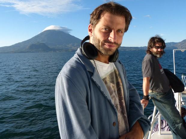 Henri Castelli e Cesar Troncoso se encanataram com a Guatemala (Foto: Flor do Caribe/ TV Globo)