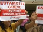 Funcionários públicos de Marília protestam por salários atrasados