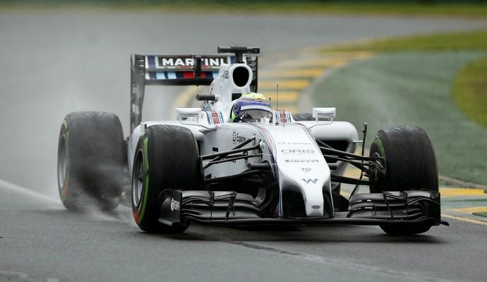 Felipe Massa não se deu muito bem na pista molhada e larga apenas na 9ª colocação em Melbourne (Foto: Reuters)