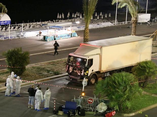 Em Nice, atentado com caminhão deixou 84 mortos em 14/07 (Foto: Sasha Goldsmith/AP)