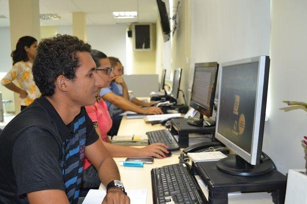 Equipe de produção do jornalismo da TV Sergipe (Foto: Divulgação / TV Sergipe)