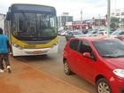 Homem furta ônibus com destino à Papuda, tira GPS e abandona veículo