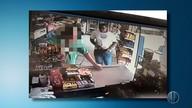 Câmeras de segurança gravam assalto à padaria neste sábado (16) no bairro Alecrim