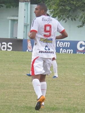 Sérgio Junior em ação contra o Resende (Foto: Thiago de Lima / GLOBOESPORTE.COM)