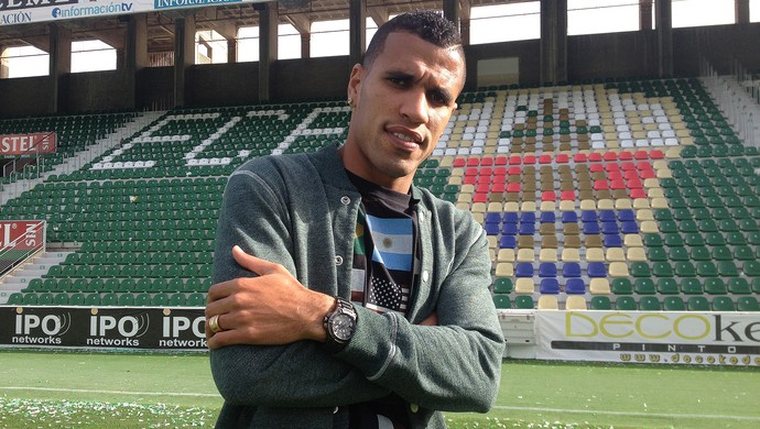 Jonathas, o novo Diego Costa (Foto: Cassio Barco)