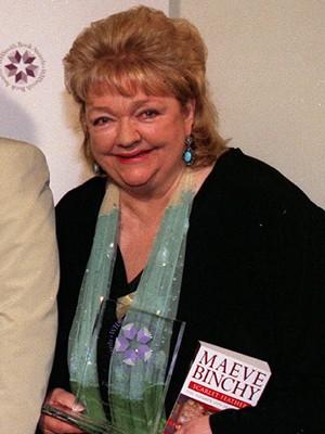 A escritora irlandesa Maeve Binchy em foto de 2001 (Foto: Myung Jung Kim/PA File/AP)