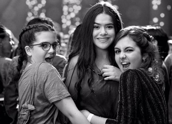 Mel Maia, Maisa Silva e Klara Castanho nos bastidores do filme 'Tudo por um pop star' (Foto: Reprodução Instagram)