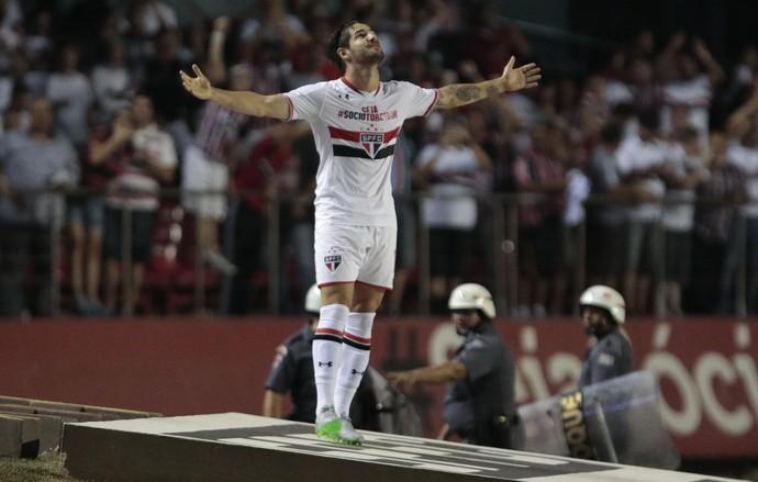 Vasco x São Paulo - gol Pato (Foto: MIGUEL SCHINCARIOL - Agência Estado)