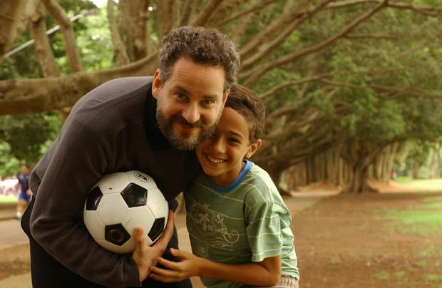 Andre Luiz Frambach com Dan Stulbach na minissérie Queridos Amigos, quando viveu o personagem Davi (Foto: Zé Paulo Cardeal/TV Globo)