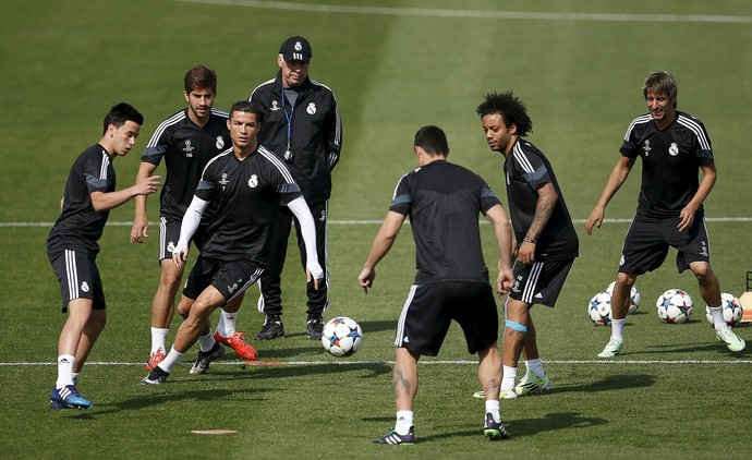 Carlo Ancelotti Cristiano Ronaldo Marcelo treino Real Madrid (Foto: Reuters)