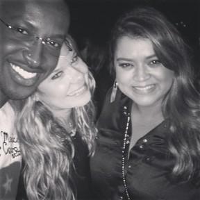 Thiaguinho, Fernanda Souza e Preta Gil em show no Rio (Foto: Instagram/ Reprodução)