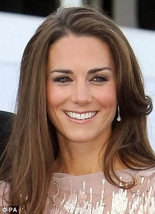 Filhos de príncipe William e Kate Middleton (Foto: Reprodução / dailymail.co.uk)