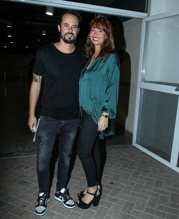 Paulo Vilhena e Amanda Beraldi (Foto: Marcello Sá Barretto/AgNews)
