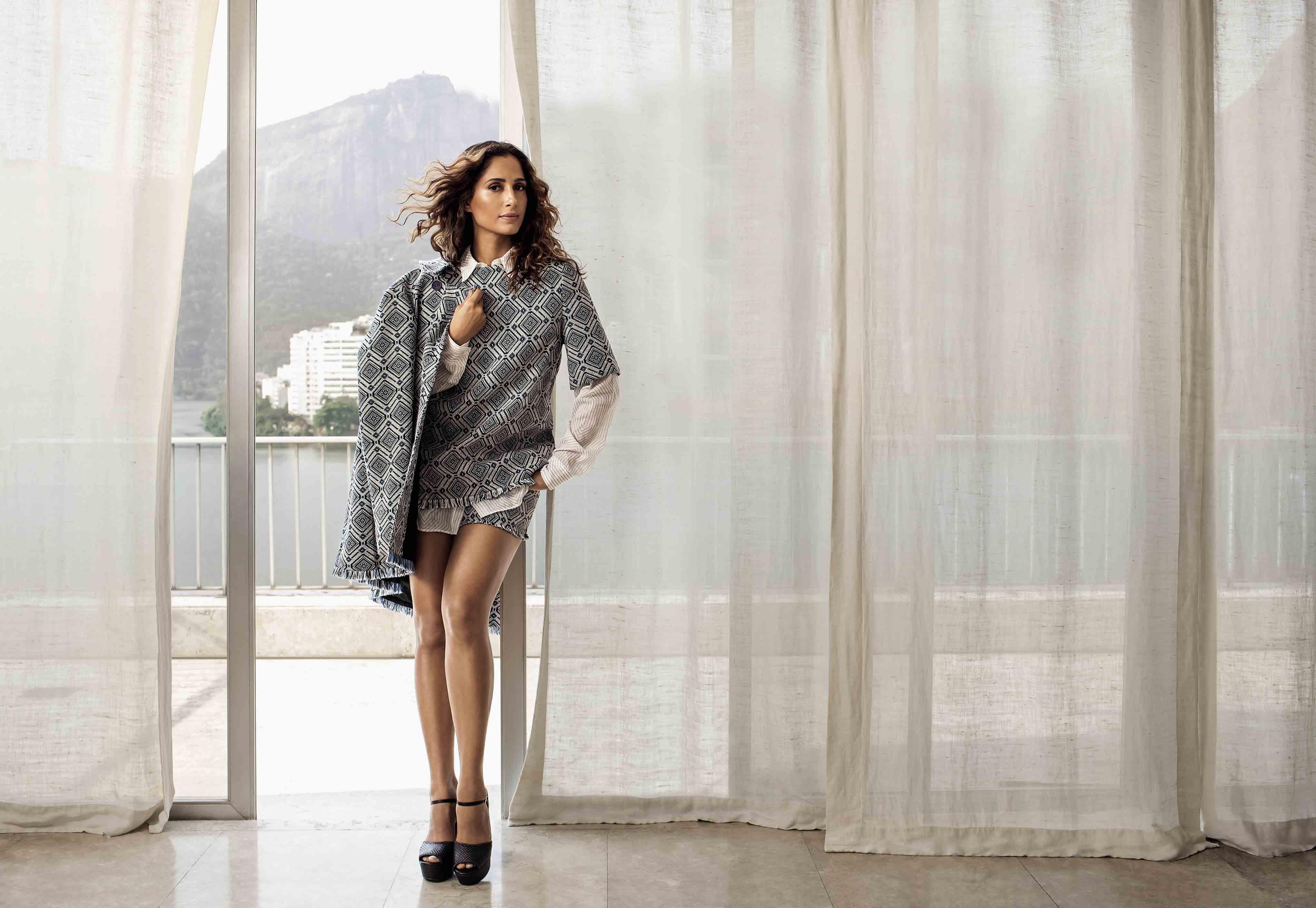 Camila Pitanga na edição de março da Vogue Brasil (Foto: Murilo Meirelles)